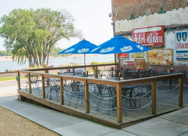 Patio dining by the Mississippi River